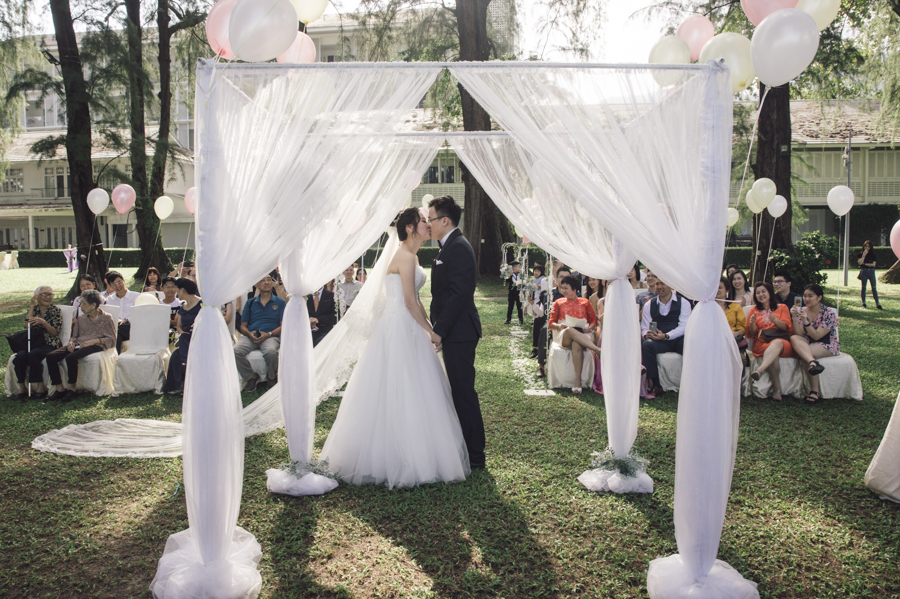Garden Wedding at Lone Pine Hotel